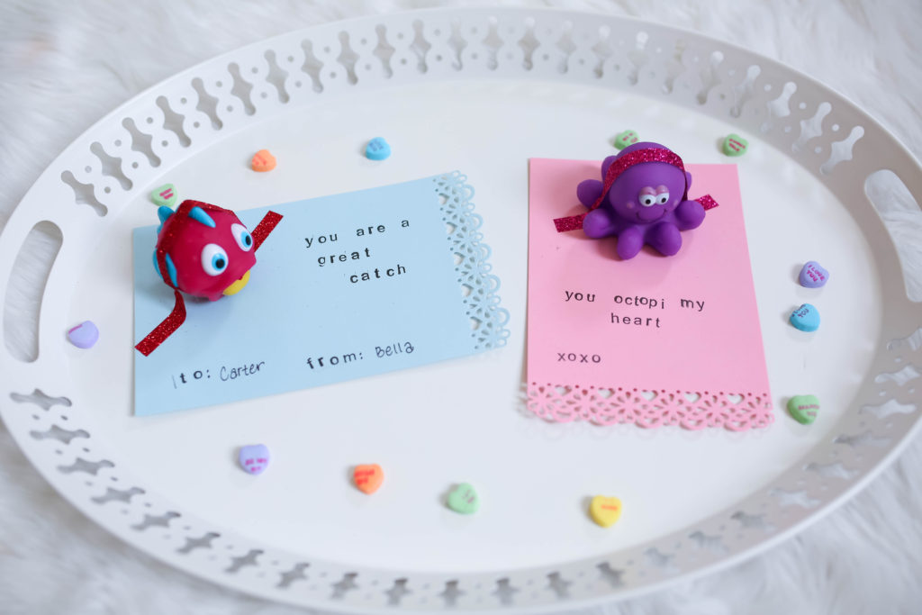 Toddler approved Valentine's Day cards @ momlifemusthaves.com // Valentine's activities for toddlers