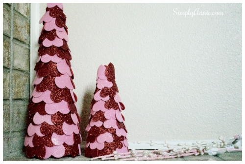 DIY Valentine's Day crafts for kids // Valentine's Day home decor DIY craft idea @ momlifemusthaves.com