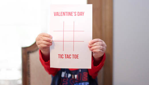 Valentine's Day tic tac toe download + print game @ momlifemusthaves.com